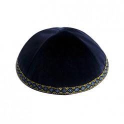 Кипа синяя бархатная с узорчатой тесьмой, 16 см