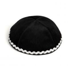 Кипа черная бархатная с серебряной тесьмой, 16 см